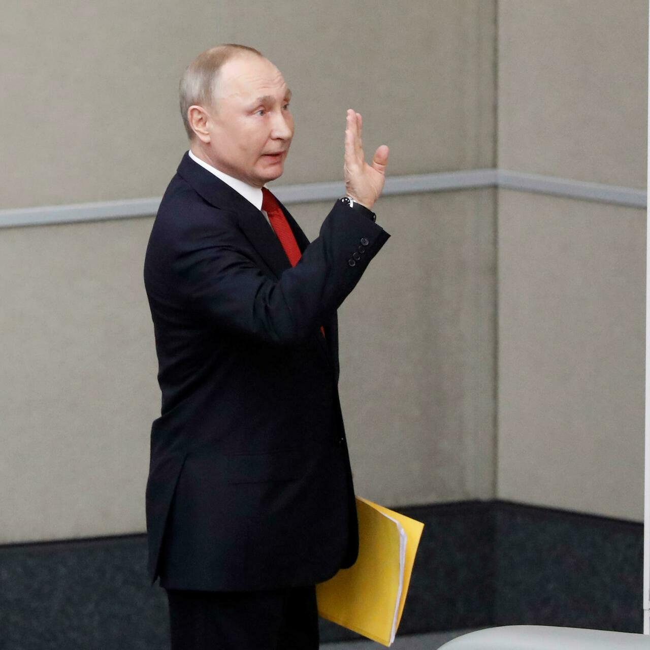 Путин самоизолировался за три дня до выборов