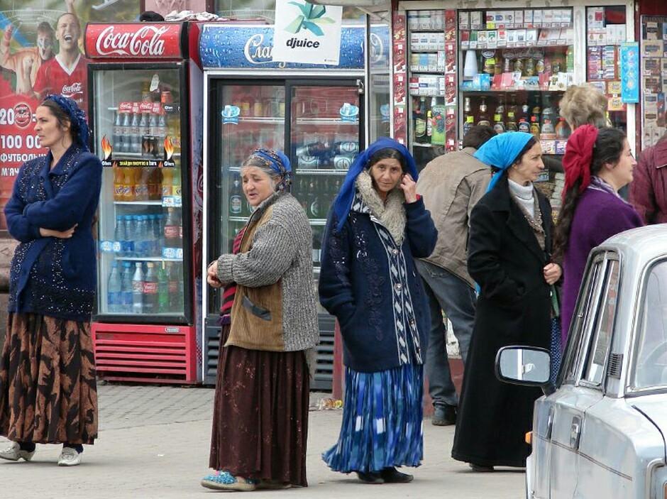 Цыганка обокрала мужчину на автовокзале Хабаровска