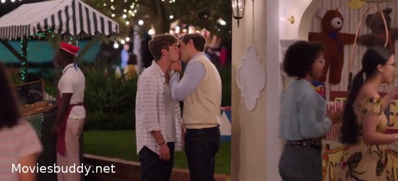 Video Screenshot of The Kissing Booth 2