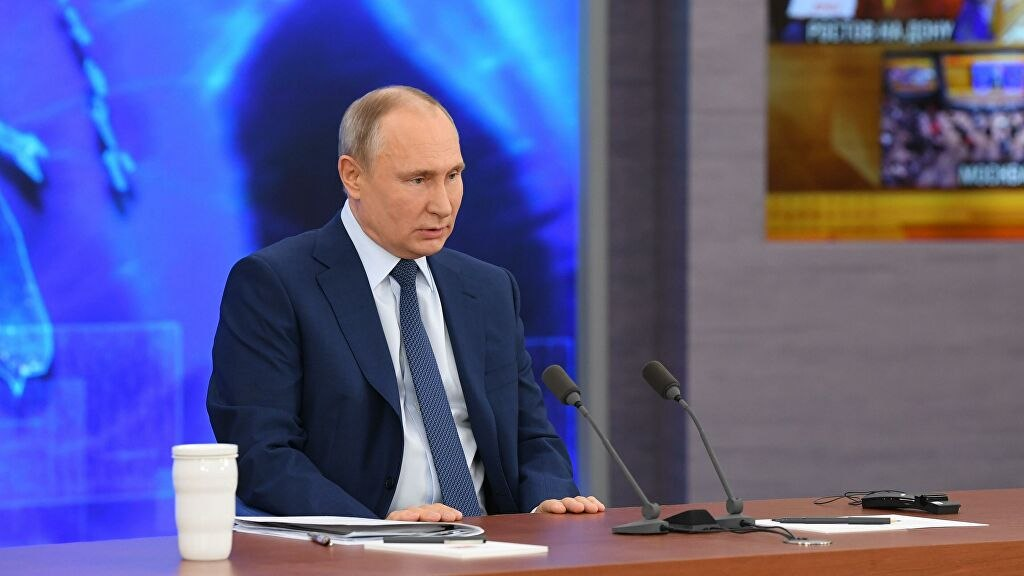 Путин завтра поставит прививку от коронавируса