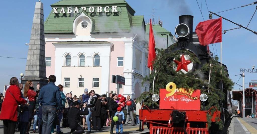 Паровоз из США повезёт ретро-поезд Победы в Хабаровске