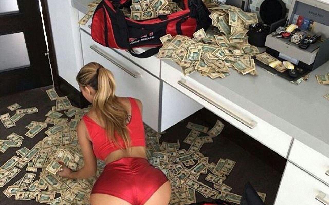 Ass moneybox