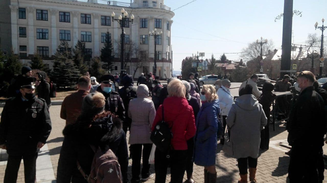 Митинг против депутатов прошел в Хабаровске