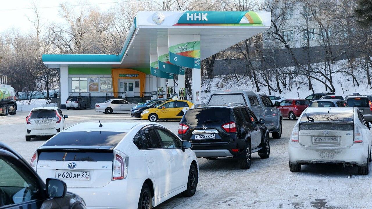 Цена на бензин вновь взлетела в Хабаровске