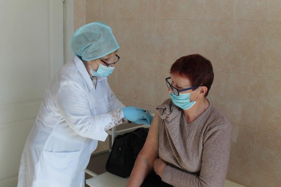 В Хабаровском крае от COVID-19 вакцинировалось 200 тыс человек