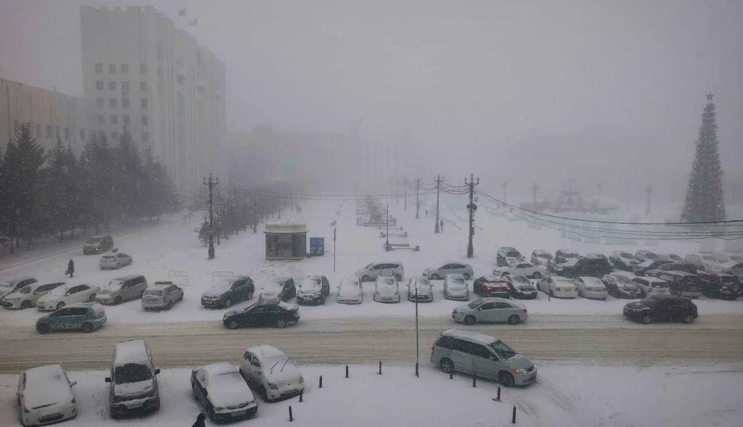 Циклон парализовал улицы Хабаровска - пробки 10 баллов
