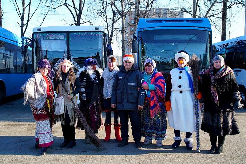 Конкурс на лучшее новогоднее оформление транспорта прошел в Хабаровске