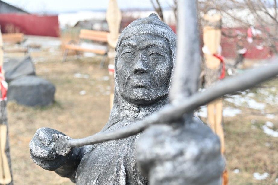 Дегтярев поручил найти пути придания Сикачи-Алянским петроглифам особого статуса