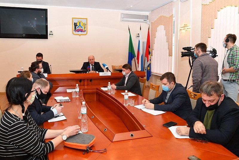 Мэр Хабаровска поздравил журналистов с профессиональным праздником