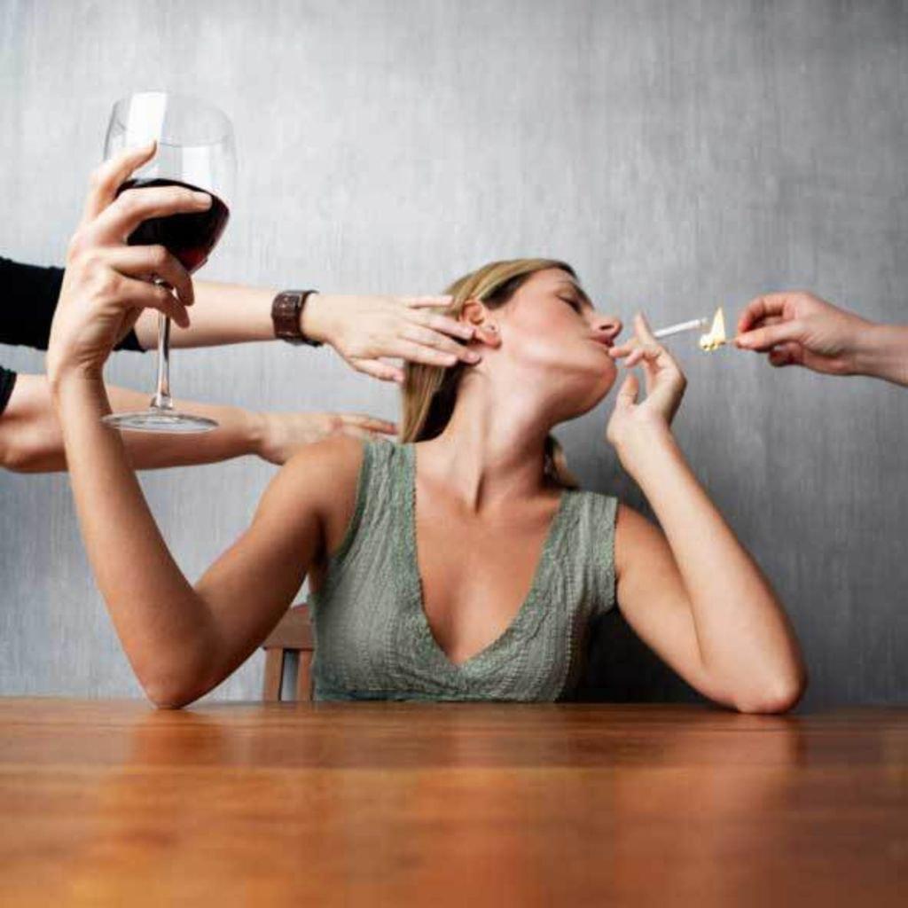 тоска и безысходность, тяга к алкоголю и сильная тяга к жене,жена сделала сильный приворот