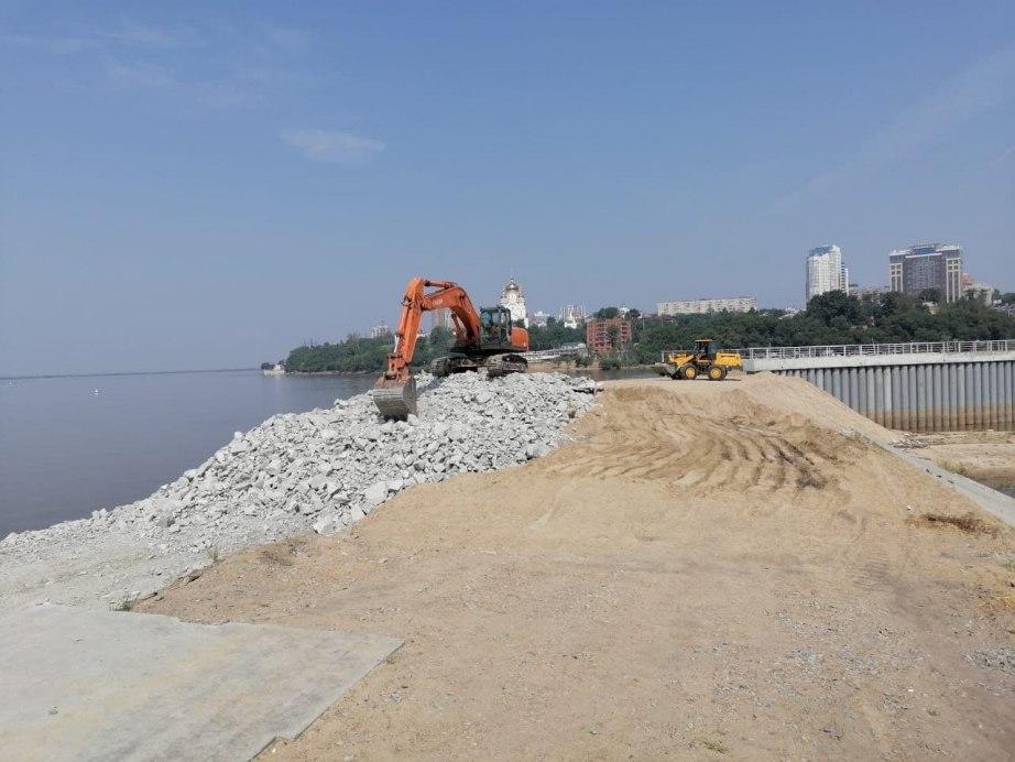 Дамба в Индустриальном районе Хабаровска полностью готова к возможному паводку на Амуре