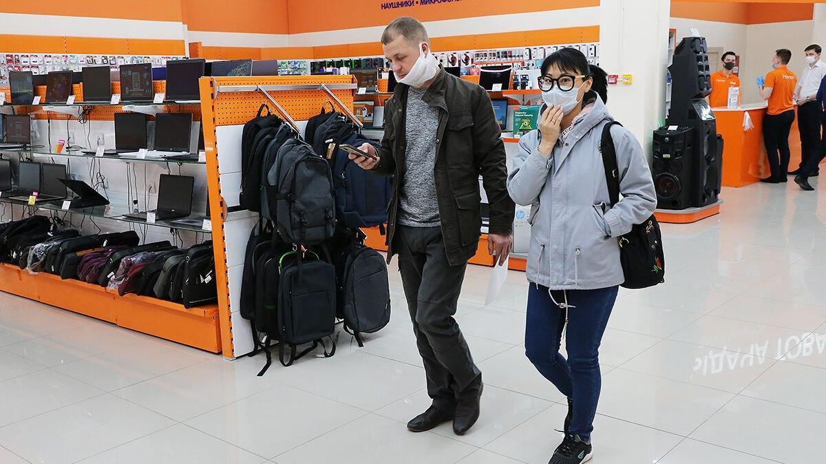 Хабаровчане все чаще игнорируют масочный режим в торговых центрах и магазинах