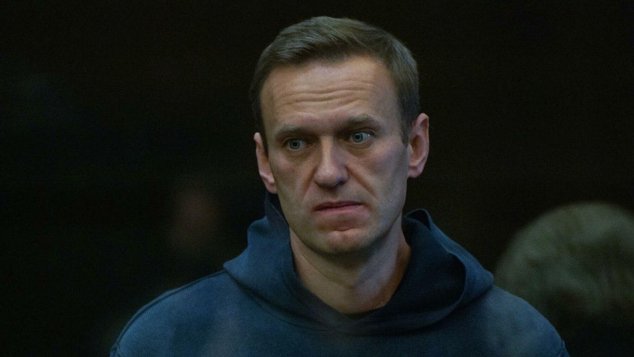 Навального посадили в колонию на 2,8 года