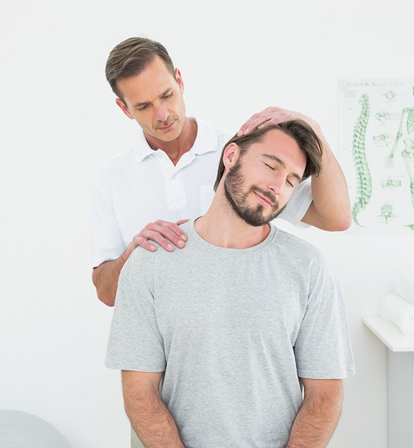 Adjust Your Spine With the Best Chiropractor in the Bronx