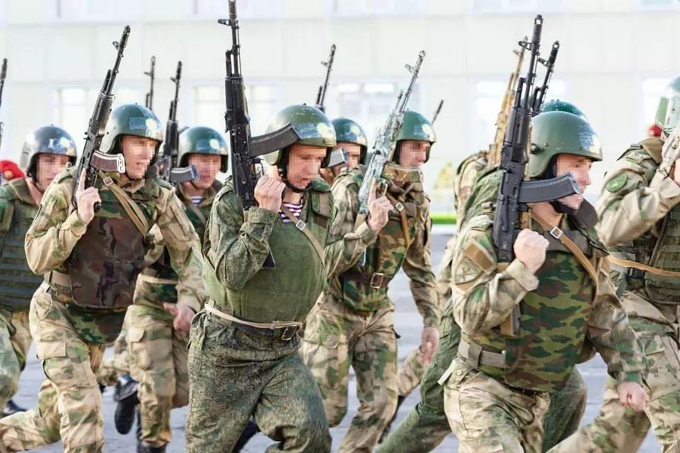 Испытания «краповых беретов» прошли в Хабаровске