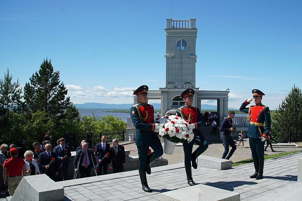 Возложения цветов в честь 163-й годовщины со дня основания города состоялись в Хабаровске