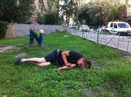 Подросток под наркотой бился головой об асфальт