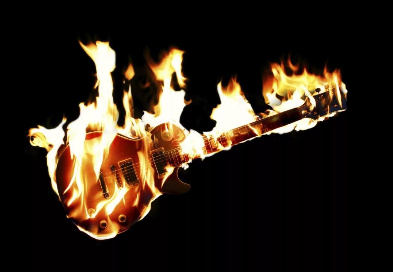 Картинка гитары в огне