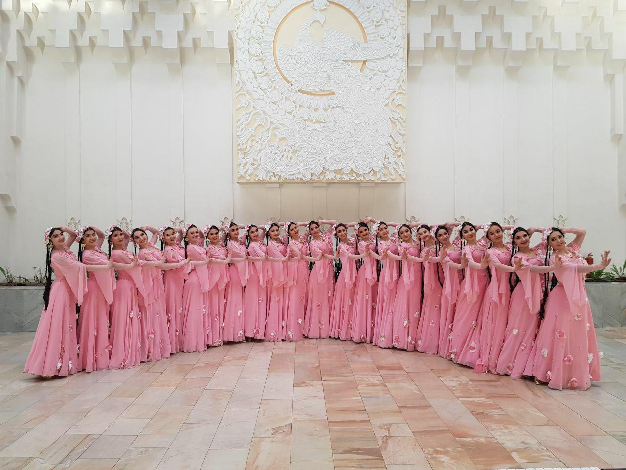 Ансамбль песни и танца «Навбахор»