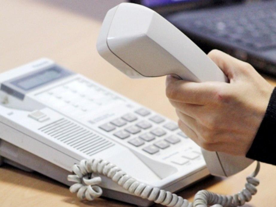 Задать вопрос по работе общественного транспорта можно по телефону «горячей линии»